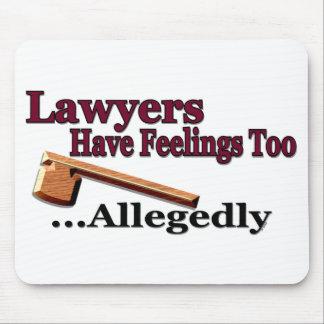 Los abogados tienen sensaciones también… alegado alfombrillas de ratones
