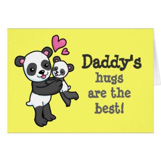 Los abrazos del papá son la mejor tarjeta de la