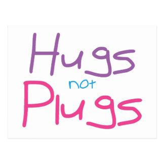 Los abrazos no tapan (el rosa) postal