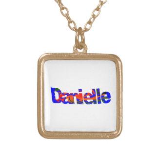 Los accesorios de Daniela Colgante Cuadrado