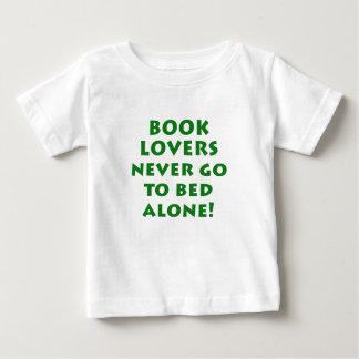 Los aficionados a los libros nunca se van a la playera para bebé