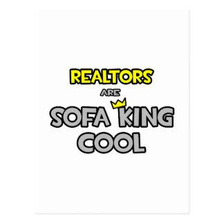 Los agentes inmobiliarios son rey Cool del sofá Tarjetas Postales