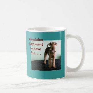 Los Airedales apenas quieren tener taza de la dive