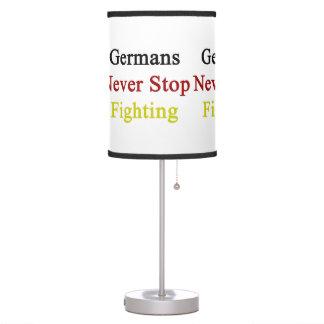 Los alemanes nunca paran el luchar
