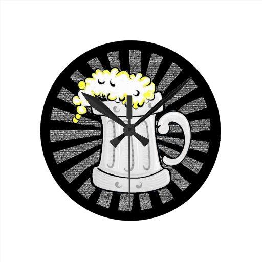 Los amantes de la cerveza creen en Beeracles Reloj Redondo Mediano