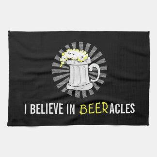 Los amantes de la cerveza creen en Beeracles Toalla De Mano
