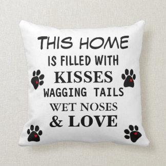 Los amantes del perro de la almohada mojaron las