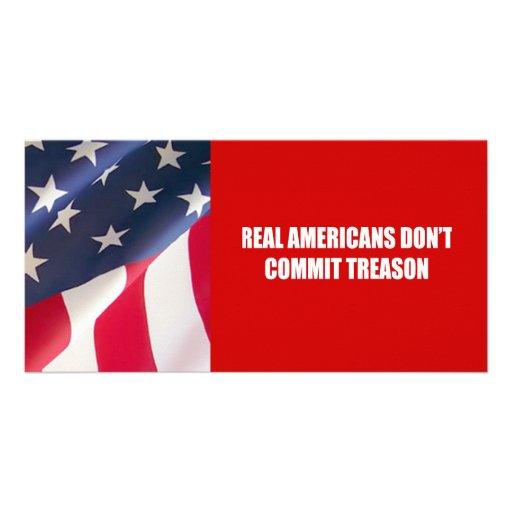 Los americanos reales no confían traición tarjeta personal