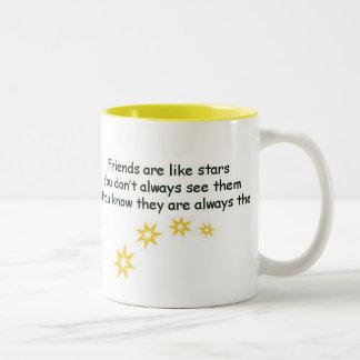 Los amigos son como las estrellas taza de dos tonos