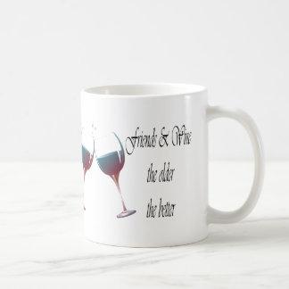 Los amigos y Wine cuanto más viejo es cuanto el me Tazas De Café
