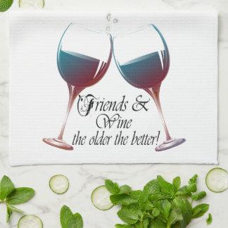 Los amigos y Wine más viejo es el mejor arte del v Toallas De Cocina