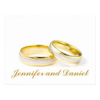 Los anillos de bodas del oro ahorran las postales