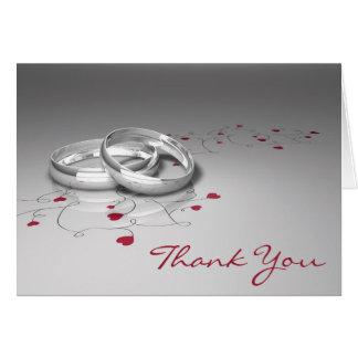 Los anillos de bodas le agradecen las tarjetas