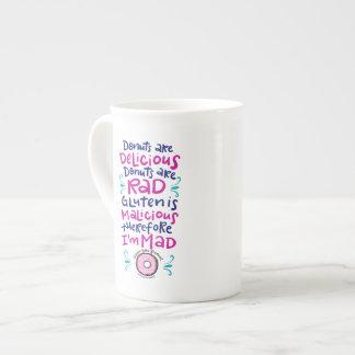 Los anillos de espuma son deliciosos taza de té