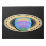 Los anillos de Saturn del planeta en la luz ultrav Blocs De Notas
