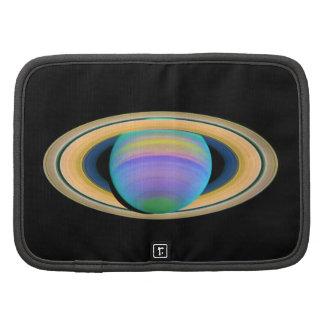Los anillos de Saturn del planeta en la luz ultrav Planificadores