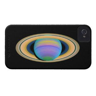 Los anillos de Saturn del planeta en la luz ultrav iPhone 4 Case-Mate Cárcasas
