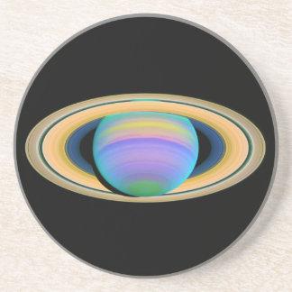 Los anillos de Saturn del planeta en la luz ultrav Posavasos Manualidades