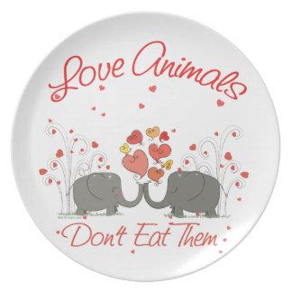 Los animales del amor no los comen plato de comida