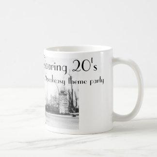 Los años 20 del bar de los años 20 del rugido taza