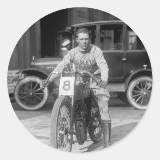 los años 20 que compiten con la motocicleta pegatina redonda