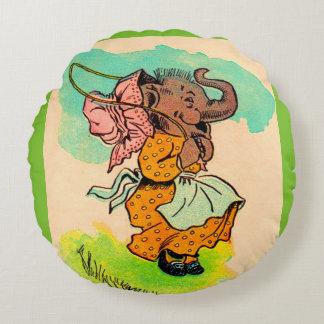 los años 30 vistieron el elefante que jugaba la cojín redondo