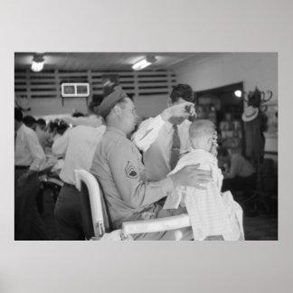 Los años 40 de la experiencia del peluquero del hi póster