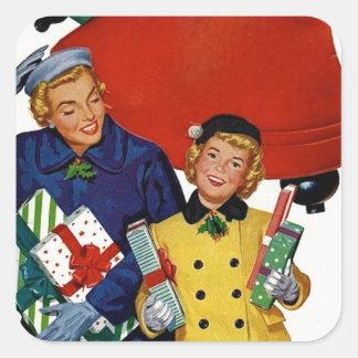 los años 50 mamá y compras de Navidad de la hija Pegatinas Cuadradas