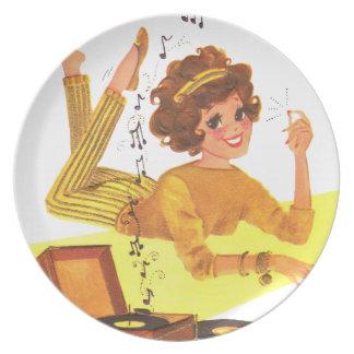 los años 60 registran jugar al chica plato para fiesta