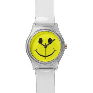 Los años 70 sonrientes felices amarillos de la car