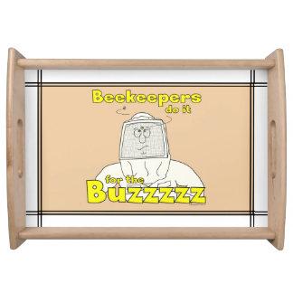 Los apicultores lo hacen para la bandeja de la