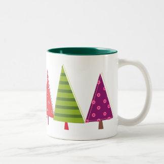 Los árboles coloridos personalizaron la taza de