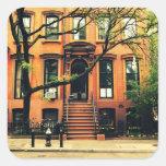 Los árboles crecen en Brooklyn Calcomanía Cuadradas