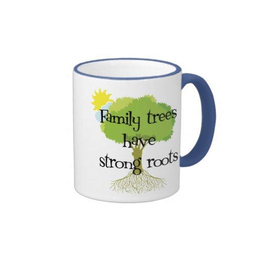 Los árboles de familia tienen raíces fuertes tazas de café
