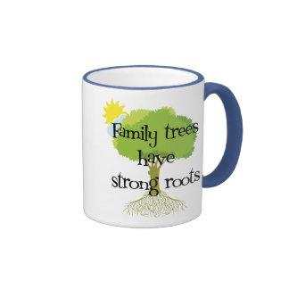 Los árboles de familia tienen raíces fuertes taza de dos colores
