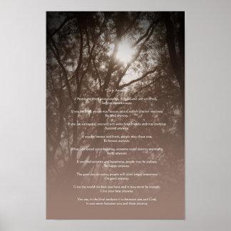 """Los árboles que brillan intensamente """"lo hacen de  poster"""