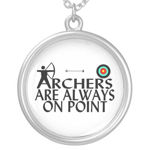 Los Archers están siempre en punto Colgante Redondo