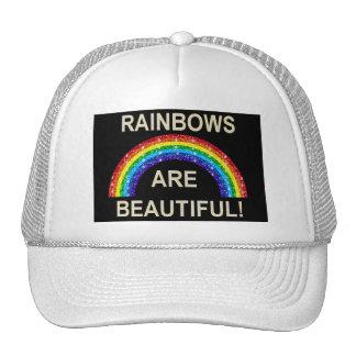 Los arco iris del bebé del gorra son hermosos