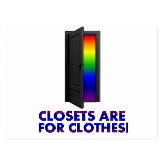 Los armarios están para la ropa tarjeta postal