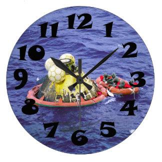 Los astronautas de Apolo 11 vuelven a casa Reloj Redondo Grande