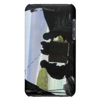 Los aviadores eliminan una plataforma de funda para iPod de Case-Mate