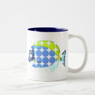 Los azules claros ponen una espiga a la taza