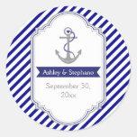 Los azules marinos anclan reserva náutica del boda etiquetas redondas