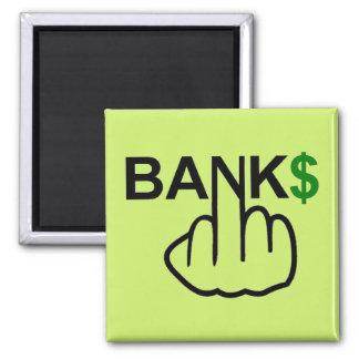Los bancos del imán corrompen