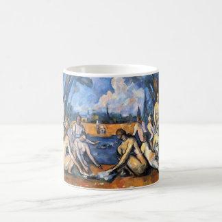 Los bañistas grandes de Paul Cezanne Taza Básica Blanca