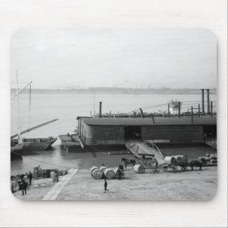 Los barcos salen del diario, Louisville, KY: 1900 Alfombrilla De Ratones