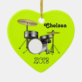 Los baterías personalizaron el ornamento de la adorno navideño de cerámica en forma de corazón