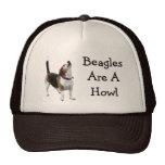 Los beagles son un gorra divertido del perro del a
