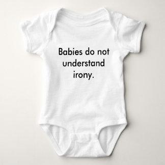 """Los """"bebés no entienden camiseta irónica de la polera"""