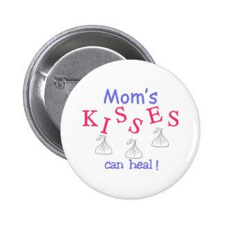 ¡Los besos de la mamá pueden curar! Pin Redondo 5 Cm